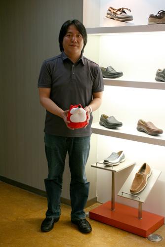 暇步士品牌总监何志雄