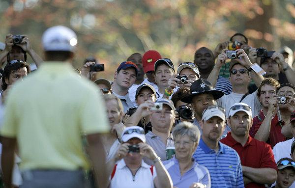 图文:全美高尔夫名人赛练习赛 伍兹粉丝团