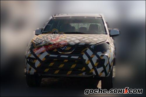 搜狐汽车独家获取的奇瑞新款瑞虎3谍照