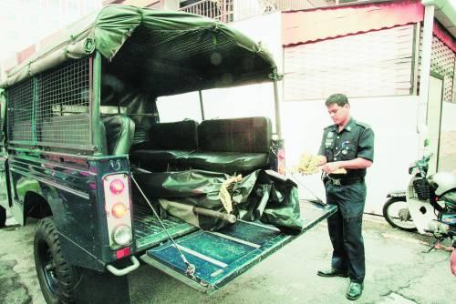 女子 马来西亚 跳楼身亡 密友 发生口角 华裔/死者遗体较后被送到槟城医院太平间进行解剖。(图:光明日报)