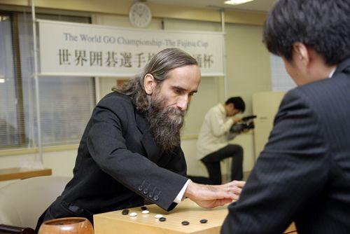 图文:富士通杯首轮 著名的大胡子棋手阿基鲁尔