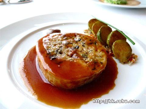 鸡卷配小椰菜
