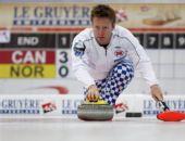 图文:男子冰壶世锦赛决赛 挪威队长尼加德