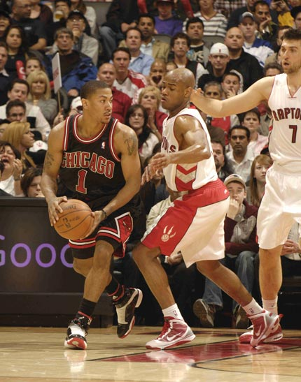 罗斯/图文:[NBA]公牛胜猛龙 罗斯寻找队友