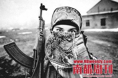 穿黑色长袍的女人在俄罗斯人心中成了最恐怖的形象。
