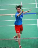 图文:国羽集训备战汤尤杯 卢兰网前回球