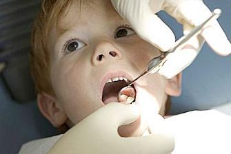 宝宝牙齿长了小黑点怎么办