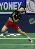 图文:羽毛球亚锦赛决赛赛况 李雪芮跃起扣杀