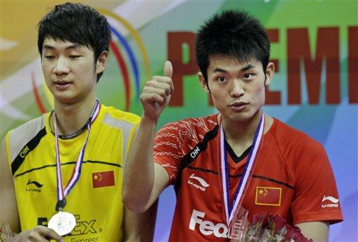 图文:羽毛球亚锦赛决赛赛况 林丹竖起大拇指