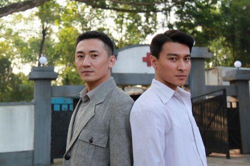 陈昊(左)、贺刚同属鑫宝源签约艺人