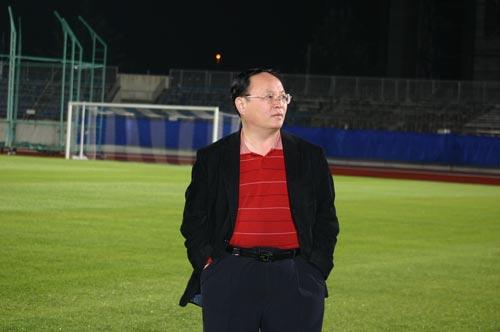 韩公政对球队在金州体育场的表现十分不满