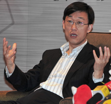 贺志强认为乐Phone对于时尚和商业用户都很合适(图片来源:搜狐IT)