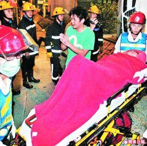 先被救出的刘子千双手合十,祈求林亚霖平安无事。