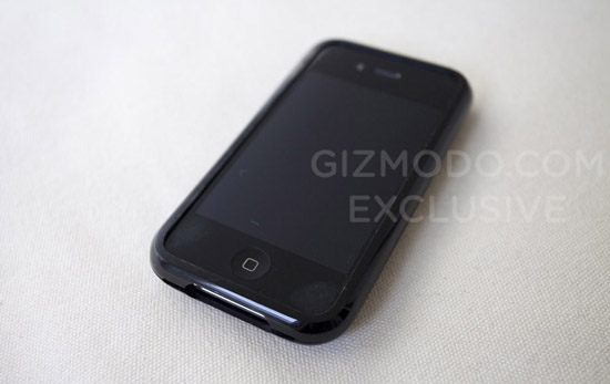 第四代iPhone的伪装外壳