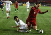 图文:[中超]河南1-1北京 内托被铲倒瞬间