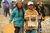 图:总后青藏兵站援建玉树规模最大小学今天复课
