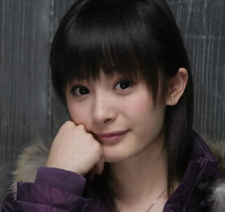 曾主演过惊悚电影《门》的杨幂此次是第二次出演惊悚电影,她笑言所受
