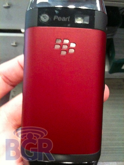 红色版黑莓9100及白色版9700真机曝光