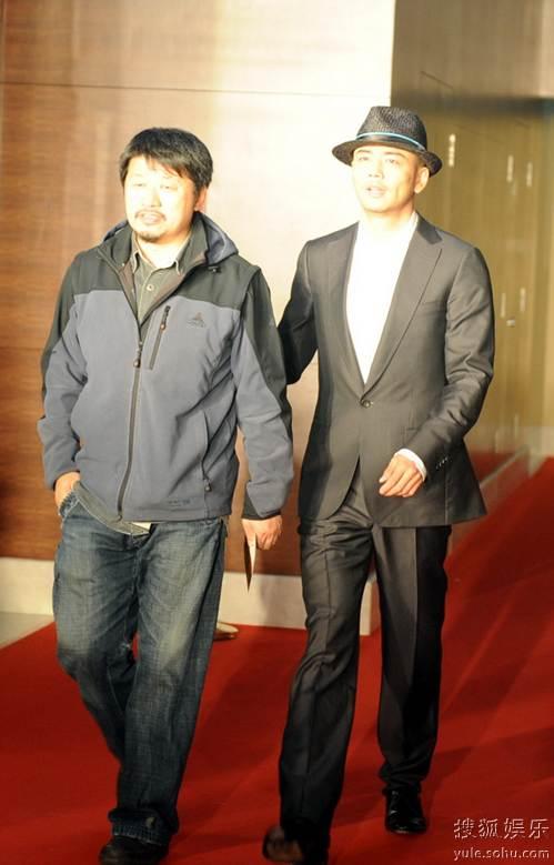 图:2010春季电视剧互联网盛典红毯 杨烁、孔笙