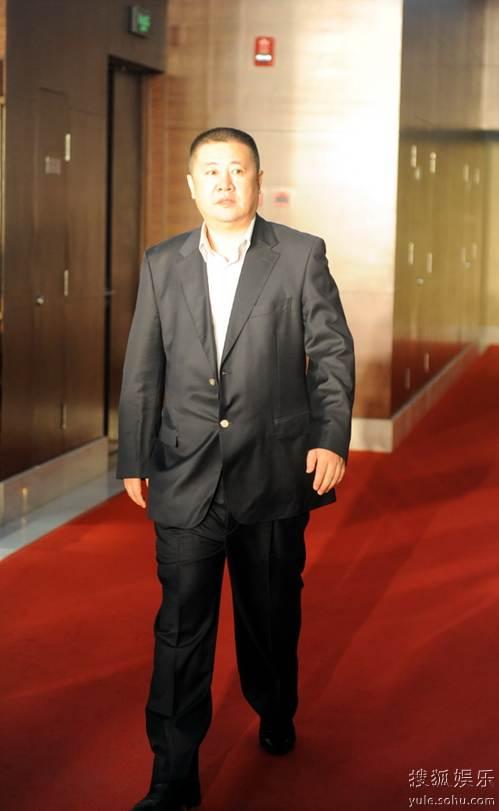 图:2010春季电视剧互联网盛典红毯 罗立平