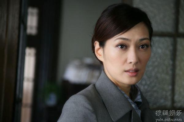 由主持人渐渐转型成为演员的女星孟广美,刚刚结束电视剧《告密者》