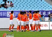 图文:[中超]江苏3-3山东 鲁能全队庆祝