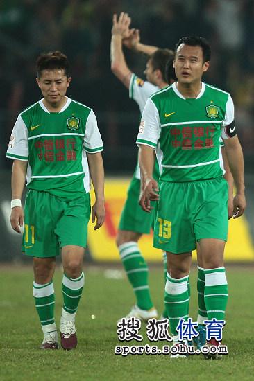 图文:[中超]北京1-1青岛 徐云龙哀叹