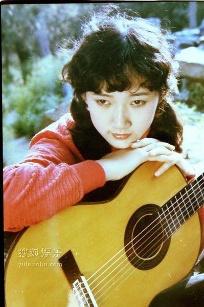 成方圆歌曲 专辑_成方圆《童年》影响深远 成为70后80后首选歌曲-搜狐音乐
