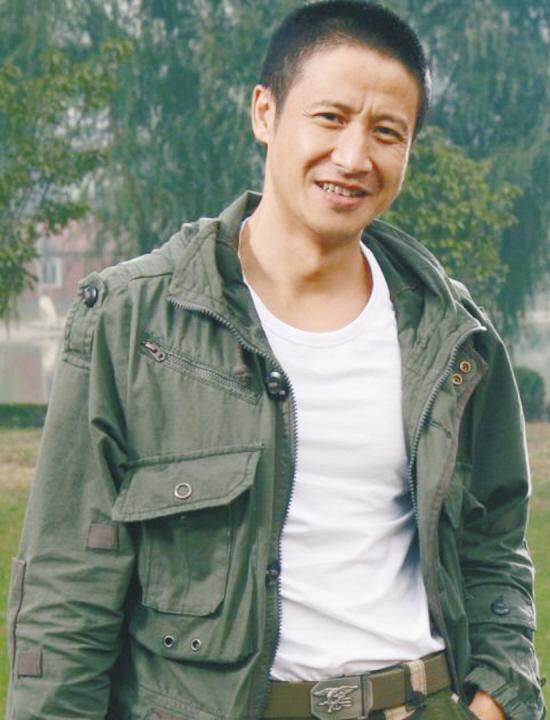 演员突击;陈大雷扮演者张国强回应:;;我们的七哥步骤张国强施测的具体士兵图片