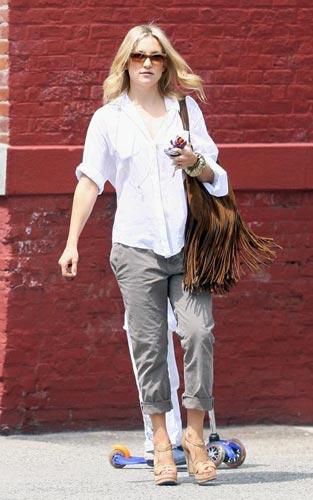 一件白衬衫穿出万种风情:凯特-哈德森