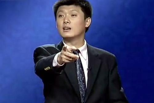 """袁腾飞讲课视频_""""最牛历史老师""""袁腾飞向出版方讨版税-搜狐娱乐"""