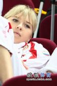 图文:俄罗斯美女队员观战尤杯 面容清秀