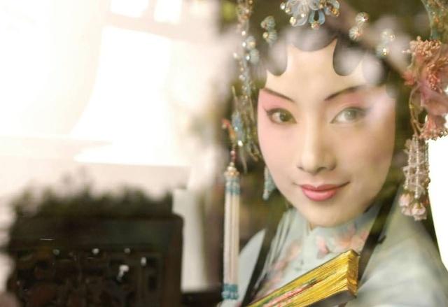 北大白先勇是谁_第九讲:摄影师许培鸿眼中360°的《牡丹亭》-搜狐文化频道