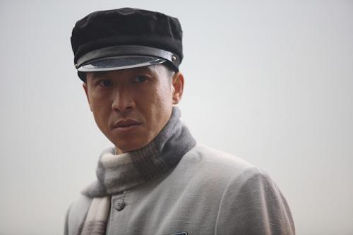 美穴名逼_《雾柳镇》接棒《手机》 张国强首演年代剧