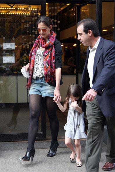 好莱坞街拍第54期:西装配短裤 凯蒂-赫尔姆斯