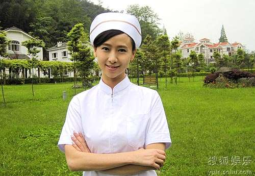 翁虹公益MTV中化身美丽护士