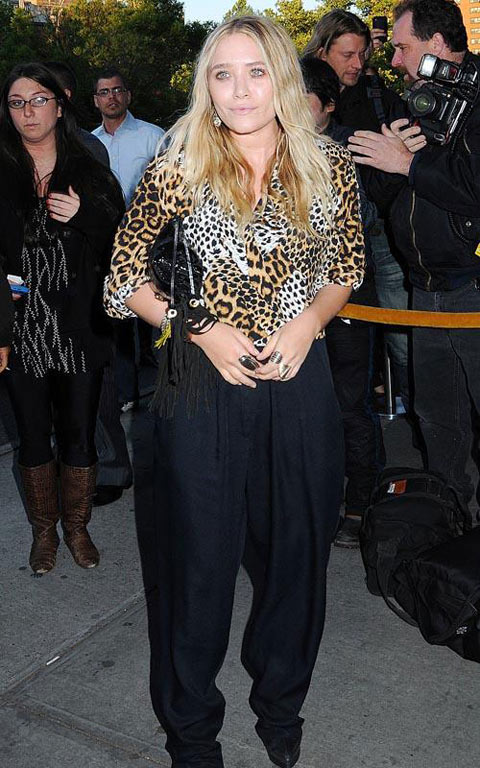 街拍54期:哈伦裤到底酷不酷 艾什莉-奥尔森