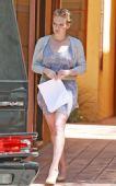 好莱坞街拍54期:裸色鞋高跟鞋 希拉里-达芙