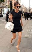 街拍54期:裸色鞋高跟鞋 维多利亚-贝克汉姆