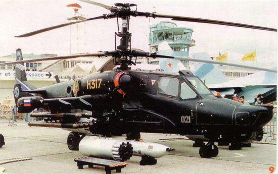 """卡-50""""黑鲨""""多用途武装直升机。"""