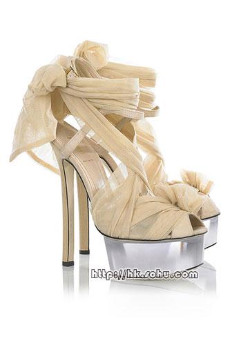 巴宝莉鞋子图片