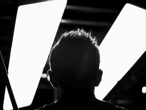 简易:发型两色的斯诺克世界图文下塞尔比黑白灯光长直编发质发气图片