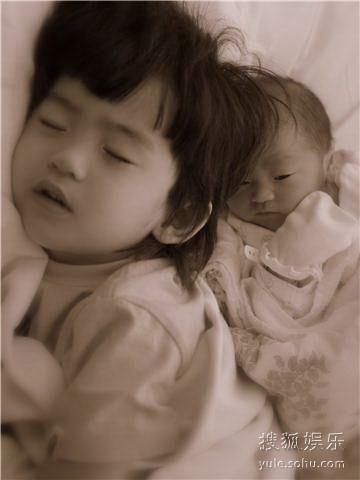 lucas与弟弟Quintus睡在一起