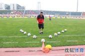 图文:[中超]南昌VS重庆 比赛开始前