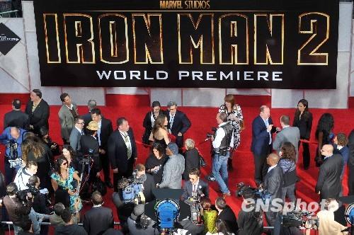 4月26日,《钢铁侠2》在洛杉矶举行全球首映式的盛况。