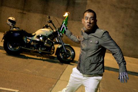 陈小春在新片中有好多危险动作都自己亲身上阵