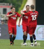 图文:[友谊赛]国奥1-6勒沃库森 对手庆祝进球