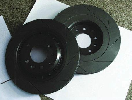 应该说,通风盘式刹车能提供连续刹车下稳定的刹车效果.图片