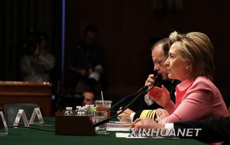 5月18日,美国国务卿希拉里・克林顿出席参议院外交关系委员会就新签订的美俄核裁军条约举行的听证会。新华社记者王丰丰摄