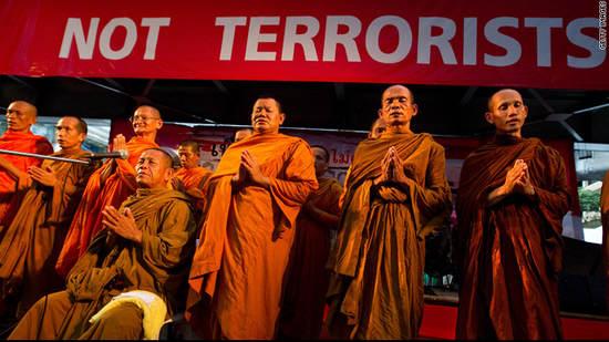 僧侣们呼吁和平